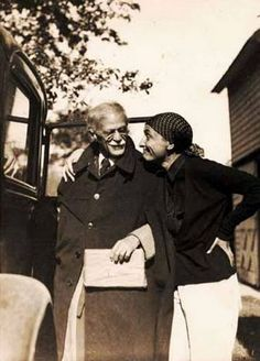 staying in love (Alfred Stieglitz and Georgia O'Keeffe in 1936)