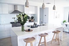 Immy and Indi is is an Australian homewares store dedicated to sourcing the best Scandinavian style homewares to decorate your home. Home Decor Kitchen, Kitchen Living, Kitchen Interior, Interior Design Living Room, Home Kitchens, Living Rooms, Modernisme, Sweet Home, Layout