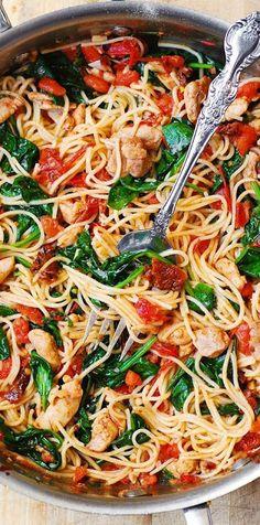 Tomato Spinach Chicken Spaghetti - Mother Of Recipes Pasta Dinners, Spaghetti Recipes, Chicken Spaghetti, Cooking Spaghetti Squash, Pasta Recipes, Chicken Recipes, Chicken Pasta, Cooking Steak, Cooking Oil
