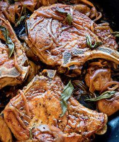 Vepřová kotleta patří mezi velmi oblíbené kusy masa. Meat, Food, Eten, Meals, Diet