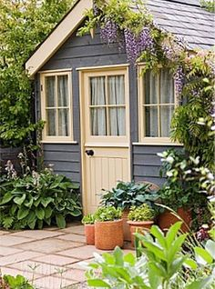 15 Lovely Colorful and Bright Painted Shed Ideas Painted Garden Sheds, Painted Shed, Shed Design, Garden Design, Shed Conversion Ideas, Storing Garden Tools, Pool House Plans, Shed Colours, She Sheds