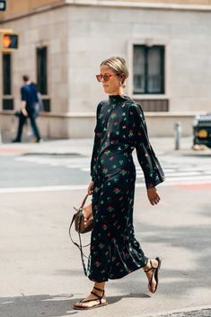 The Best Street Style at New York Fashion Week Spring 2020 | POPSUGAR Fashion