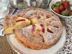 La torta mascarpone e fragole è un dolce senza burro che viene sostituito dal mascarpone. Una torta soffice e profumata. Ottima da farcire.
