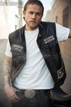 Charlie Hunnam :)