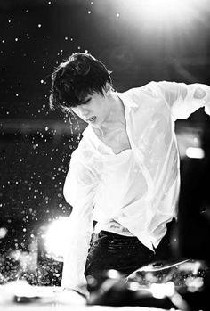 Sehun OMG O.o He is gonna give me a heart attack - G. Kpop Exo, Exo K, Park Chanyeol, Kyungsoo, Sehun Hot, Ko Ko Bop, Exo Luxion, Baekyeol, Kim Minseok