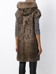#yvessalomon #longvest #fur #hooded #stone #style #woman www.jofre.eu