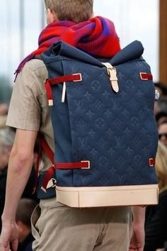 What to pack for luxury travel: your Louis Vuitton Mens Backpack and your personal concierge number. That's all. www.albertalagrup.com