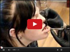 Kolczykowanie - Przekłuwanie wargi w serwisie www.smiesznefilmy.net tylko tutaj: http://www.smiesznefilmy.net/kolczykowanie-przekluwanie-wargi
