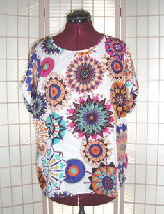 New Singwing Sz XL Multi Color Kaleidoscope Design Cuff Sleeves Top  #Singwing #PolyesterTop #Casual