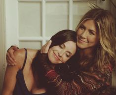 Monica and Rachel- Friends Ross Geller, Jennifer Aniston, Monica And Rachel, Rachel Green, Pretty People, Beautiful People, Besties, Thats 70 Show, Friends Tv Show