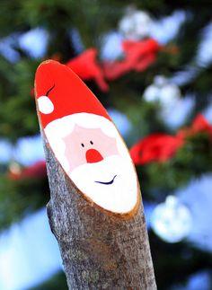 Traditional Bavarian Christmas decoration - Large Baumstamm Nikolaus
