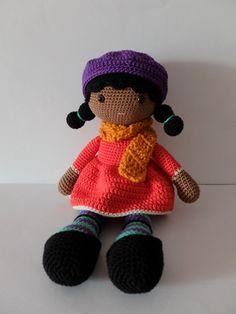 Jolie poupée au crochet