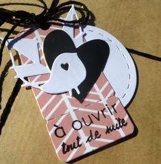 Oui, son anniversaire était hier ... Des petits paquets :  et une carte :  Joyeux...