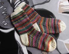 Modicum Mitts – Knitting patterns, knitting designs, knitting for beginners. Fair Isle Knitting, Knitting Socks, Hand Knitting, Knitting Designs, Knitting Projects, Knitting Patterns, Wool Socks, My Socks, Socks For Sale