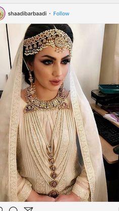 Hijab hijab o qabool Desi Wedding Dresses, Asian Wedding Dress, Asian Bridal, Classic Wedding Dress, Bridal Dresses, Wedding Outfits, Bridal Hijab, Wedding Hijab, Pakistani Bridal