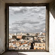 {Window}  Una finestra su Roma