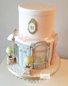 Here it is... Our last cake before Christmas! We were asked to make an 18th birthday cake for a girly girl who likes fashion and shopping but the customer didn't want the usual handbag or shoe cake so this is what we came up with! The design is based on a few we found online but in particular one by the brilliant @mutludukkan although we changed it quite a bit :) #birthdaycake #18thbirthday #shopping #fashioncake #designercakeco #designershopping #designercakecompany #cake #cakeart #sugarart