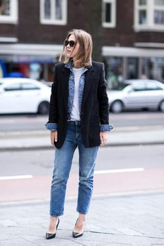 Jean outfit ! Love it <3 Boyfriend jean, white shirt and black blazer jacket for this perfect everyday outfit