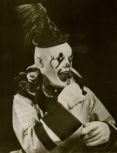 http://WhoLovesYou.ME | #clowns Clown #clowns #vintage