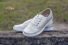 Tenis oxford, color marfil.