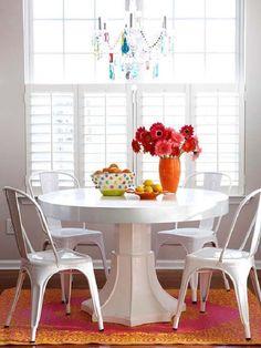 decoração de sala de jantar -mesa redonda