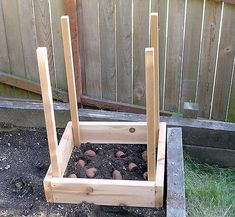 Vertical Potato Garden Box: grow 100 lbs. of potatoes in 4 square ft.