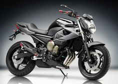 Yamaha XJ6N - More in my price range and looks mean to boot.