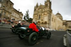 """""""Circuit de remparts"""" race in front of the Cathedrale at Angoulême"""