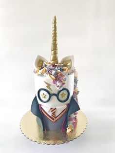 How do you make a unicorn cake more whimsical? Dress her up like Harry Potter! [… How do you make a unicorn cake more whimsical? Dress her up like Harry Potter! Bolo Harry Potter, Gateau Harry Potter, Harry Potter Food, Harry Potter Theme, Harry Potter Birthday Cake, Pretty Cakes, Cute Cakes, Beautiful Cakes, Amazing Cakes