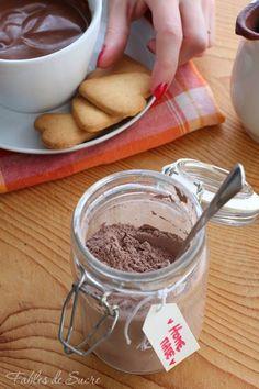 Preparato per cioccolata calda in tazza. Si prepara in 5 minuti, anche per una voglia improvvisa di cioccolata densa e profumata come al bar.