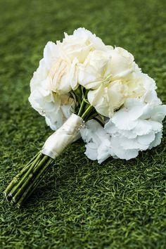 wedding flower from white roses and white hydrangea / kytice z bílých růží a bílé hortenzie / www.rosmarino.cz