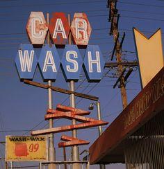 Car Wash in North Hollywood
