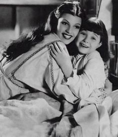 Rita Hayworth & Jane Withers in the 1936 film, Paddy O'Day. Hollywood Waves, Hollywood Icons, Hollywood Actor, Hollywood Actresses, Classic Hollywood, Old Hollywood, Actors & Actresses, Jane Withers, Rita Hayward