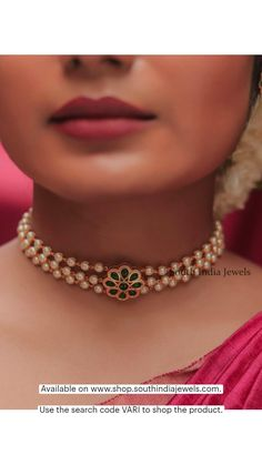 Gold Mangalsutra Designs, Gold Earrings Designs, Gold Jewellery Design, Necklace Designs, Gold Jewelry, Indian Bridal Jewelry Sets, Indian Jewelry, Gold Necklace Simple, Chocker