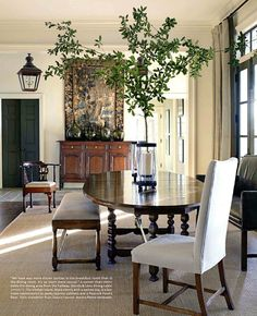 We have an antique oval dining set from my grandma, when we get a house it'll be great to arrange like this