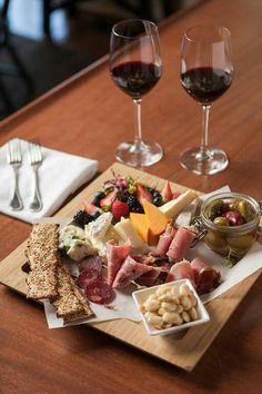 Farmhouse Cheese & Charcuterie Board ~ The Ebbitt Room offers a variety of vegetarian and gluten free dishes. As a farm-to-dining restaurant, we proudly feature free-range eggs and fresh herbs, vegeta (Gluten Free Recipes Food) Food Platters, Cheese Platters, Wine Recipes, Cooking Recipes, Healthy Recipes, Charcuterie And Cheese Board, Cheese Boards, Wine And Cheese Party, Wine Cheese