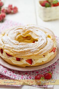 Profiteroles, Eclairs, Sweet Recipes, Cake Recipes, Dessert Recipes, French Cake, Paris Brest, Good Food, Yummy Food