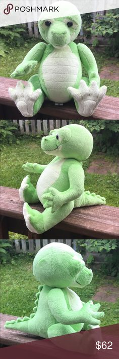 🐊RETIRED🐊 Charlie Bears Caspian the Crocodile Caspian is a super cheeky, little crocodile from the UK who is sure to steal your heart!! Jointed and hand finished, Caspian the Crocodile is made of two shades of a soft, machine washable, plush material as is part of the Baby Boutique Collection. He has big black eyes and a friendly smile on his face. Suitable for infants. Collectible: only 2,000 sold world-wide. New without box. Charlie Bears Other