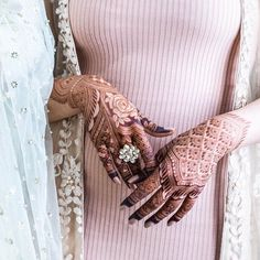 Check out the best bridal mehndi designs 2019 and jazz up your bridal mehendi look. Bridal mehendi inspirations for brides.
