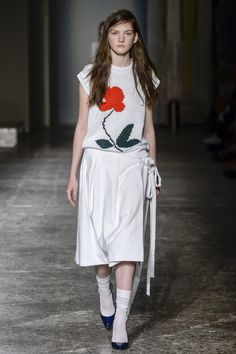 http://www.vogue.com/fashion-shows/spring-2016-ready-to-wear/arthur-arbesser/slideshow/collection
