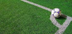 Memilih formasi yang tepat itu penting! Nah, agar memudahkan kamu dalam memilih formasi sepak bola terbaik, mari baca pembahasan berikut ini ya!