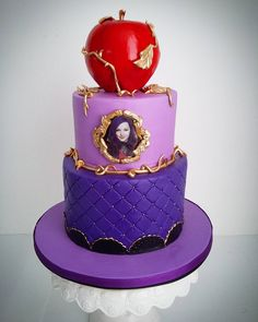 But with a green apple and Descendants written Decendants Cake, Disney Decendants, Descendants, Maleficent Party, Gateaux Cake, Bday Girl, Disney Cakes, Savoury Cake, Birthday Parties