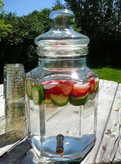 http://www.eat8020.com/2011/08/80-antioxidant-agua.html