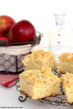 Najprostsze ciasto drożdżowe z jabłkami i kruszonką