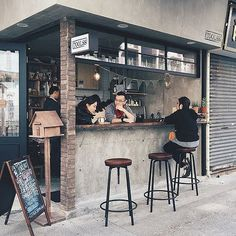 unique cafe's and coffee shop innovation ideas 5 Small Coffee Shop, Coffee Store, Coffee To Go, Coffee Cafe, Coffee Tin, Coffee Pods, Cafe Shop Design, Kiosk Design, Small Cafe Design