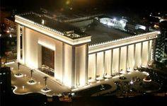 Templo de Salomão. Arquitetura expledosa! Excelente lugar para se vistar, espiritualmente e culturalmente. O maior Templo religioso do Brasil sede Mundial da Igreja Universal do Reino de Deus.