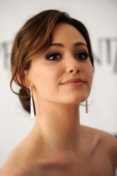her eyebrows and makeup... so flawless Emmy Rossum ♥