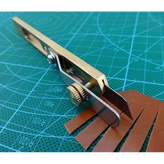 Leather Carving, Leather Art, Sewing Leather, Leather Design, Leather Belts, Leather Tooling, Leather Wallet, Leather Working Tools, Leather Craft Tools