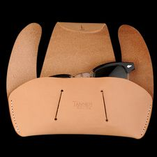 tanner goods Sunglass Case Natural Angle1