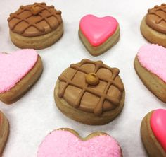 Galentine's Day Cookies by @cookiesbykatewi #galentinesday #parksandrec #waffles #hearts